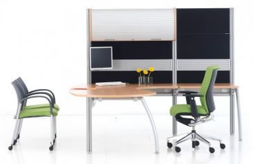 Intrigue managerial workstation with high screens incorporating toolrail and overhead storage