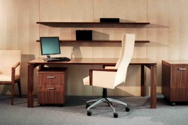 Verdi straight desk and pedestals