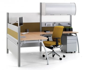 Intrigue advance radial workstation with high screens and overhead storage