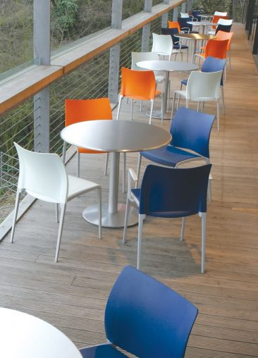Aura side chairs external use