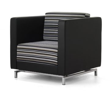 Dandy armchair with metal feet